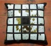 Nguni Hide Cushion. (ERCUNGHS)